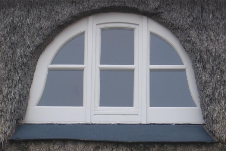 Fenster und t ren aus holz oder kunststoff vom tischler for Fenster aus kunststoff